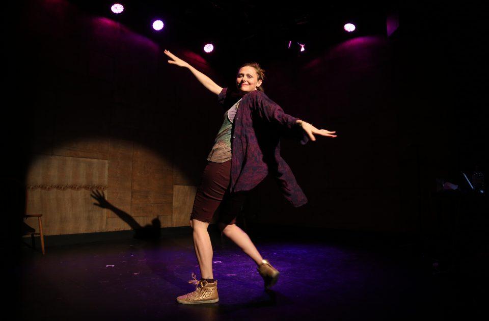 Naomi Beyond The Ridiculous The Wardrobe Theatre 2019 Photo Credit Alex Tabrizi2